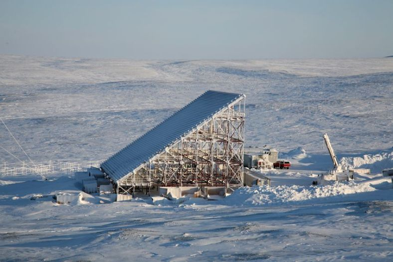 Special Arctic radar sites track aircraft entering Canadian airspace.